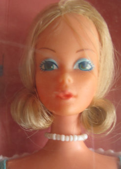 Deluxe Quick Curl Barbie from 1976